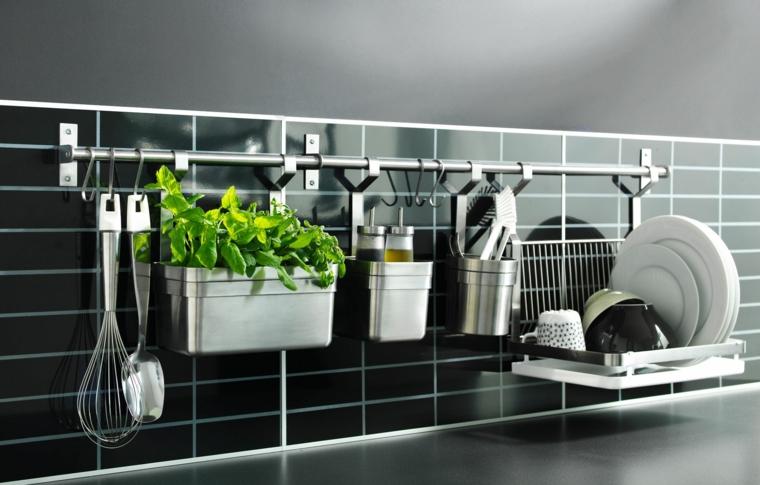 5 accesorios indispensables en tu cocina